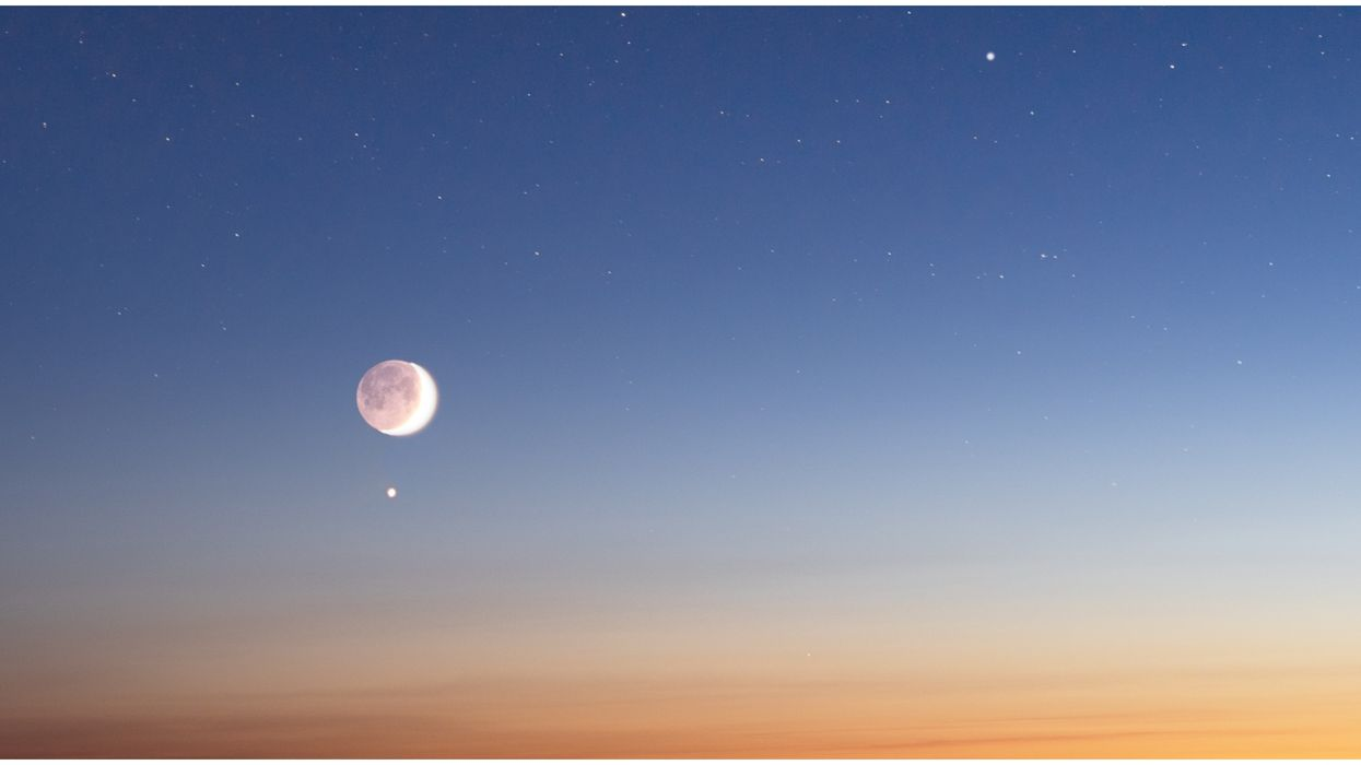 Venus & Mars Will Kiss Tonight Over Arizona Skies