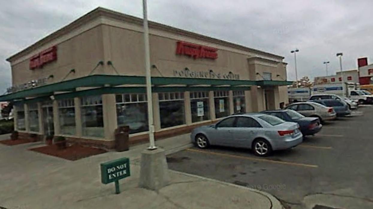 Krispy Kreme In Mississauga Has Huge Drive-Thru Lines (PHOTOS)