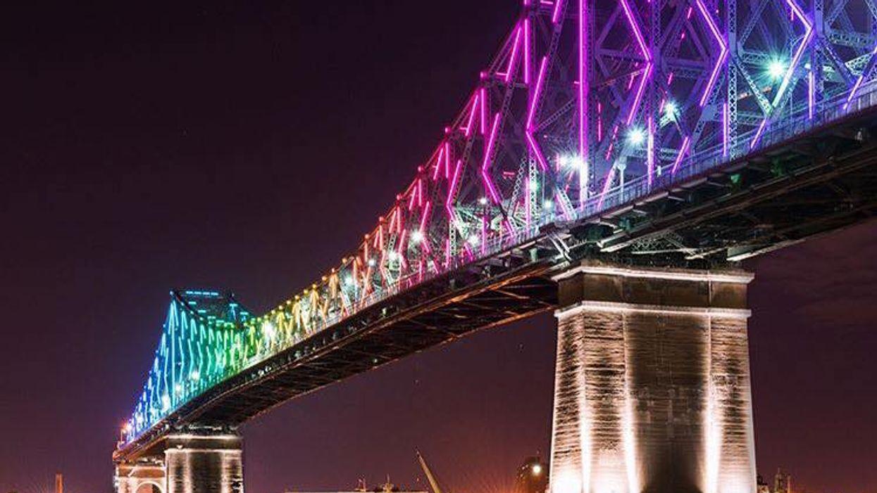 Le pont Jacques-Cartier s'illumine enfin aux couleurs de l'arc-en-ciel (PHOTOS)