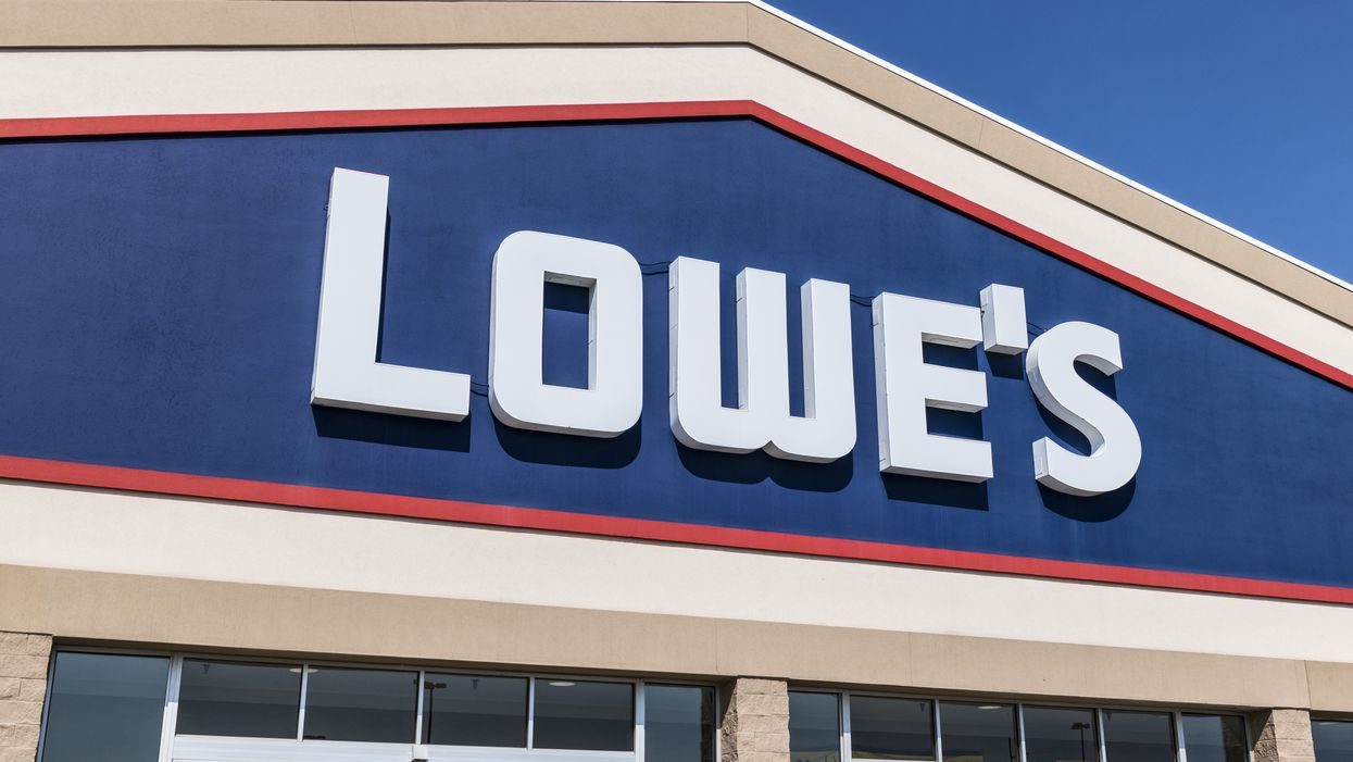 South Carolina Beaches Are Officially Closed So Locals Are Flooding To Lowe's