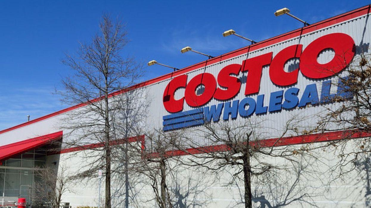 La police contrôle l'accès au Costco à Terrebonne et seuls les résidents peuvent y aller