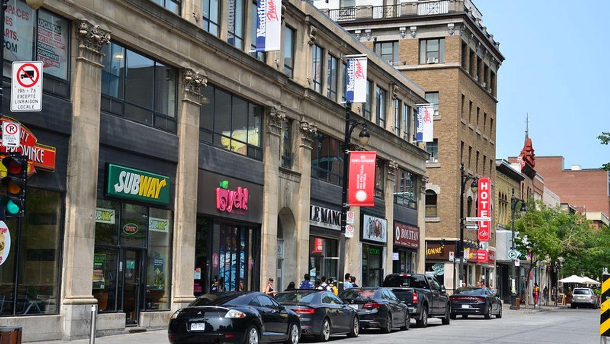 Montréal enlève des stationnements pour aménager des rues avec plus d'espace pour piétons