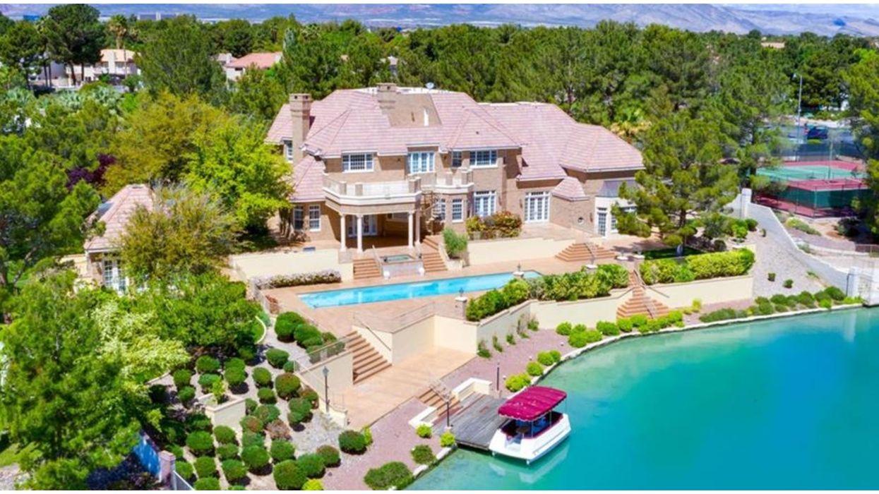 Las Vegas Lakes Home For Sale Has Blue Water Views (PHOTOS)