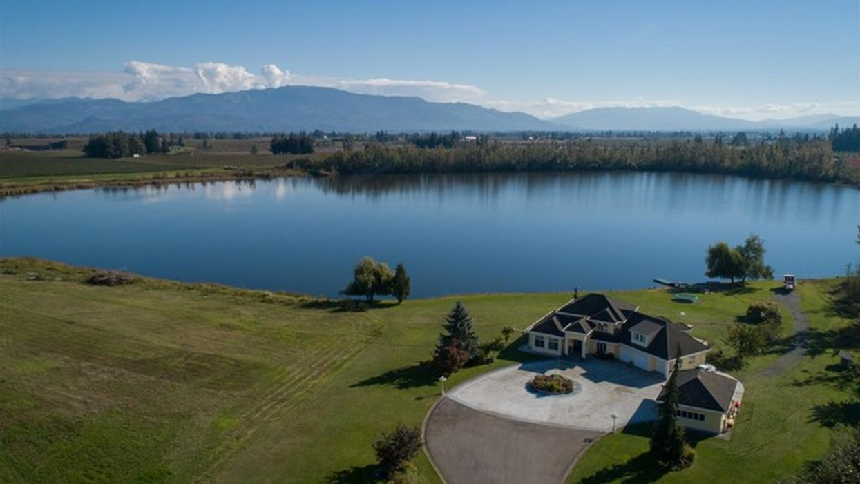 Lakeside Mansion In B.C. For Sale & The 50 Acre Lake Is Included (PHOTOS)
