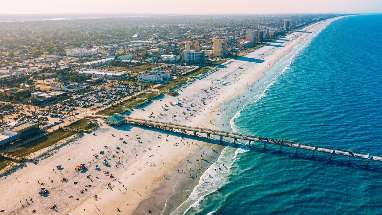 Floridians Crowd Local Beaches Over Memorial Day Weekend (PHOTOS)