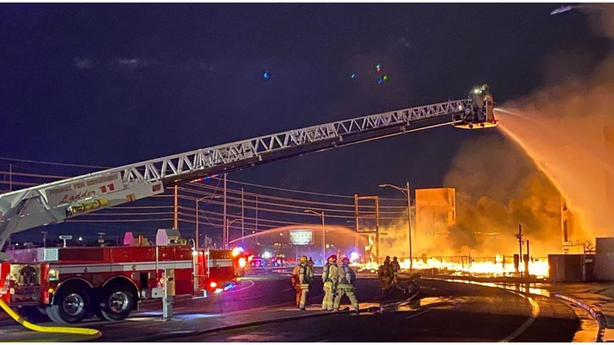 A Massive Phoenix Fire Lit Up The City's Skies Last Night (VIDEO)