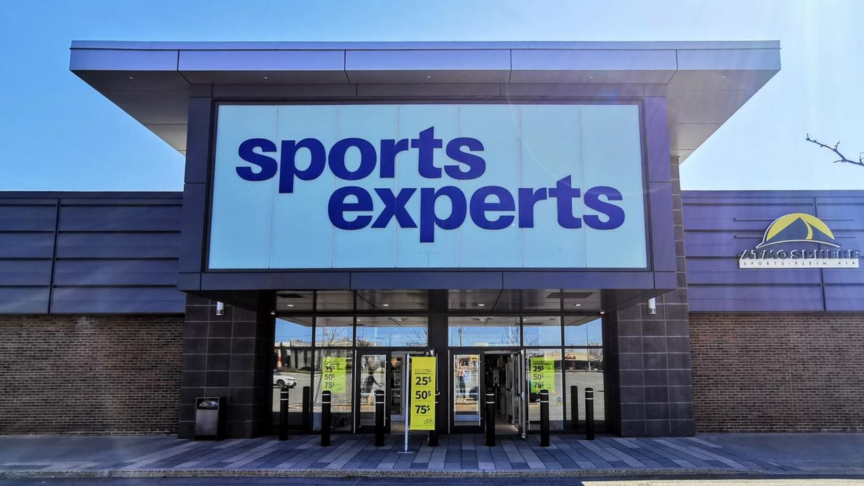 Sports Experts fait une méga vente allant jusqu'à 50% de rabais sur les vêtements