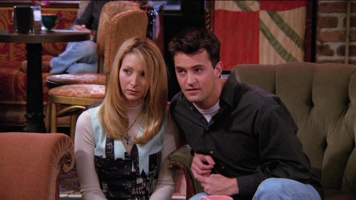 Her eyes! Her eyes!Lisa Kudrow shared that her favourite scene from Friendstook some big inspiration from Matthew Perry's character, Chandler Bing. She even said that she asked permission from the Canadian before filming the shot.