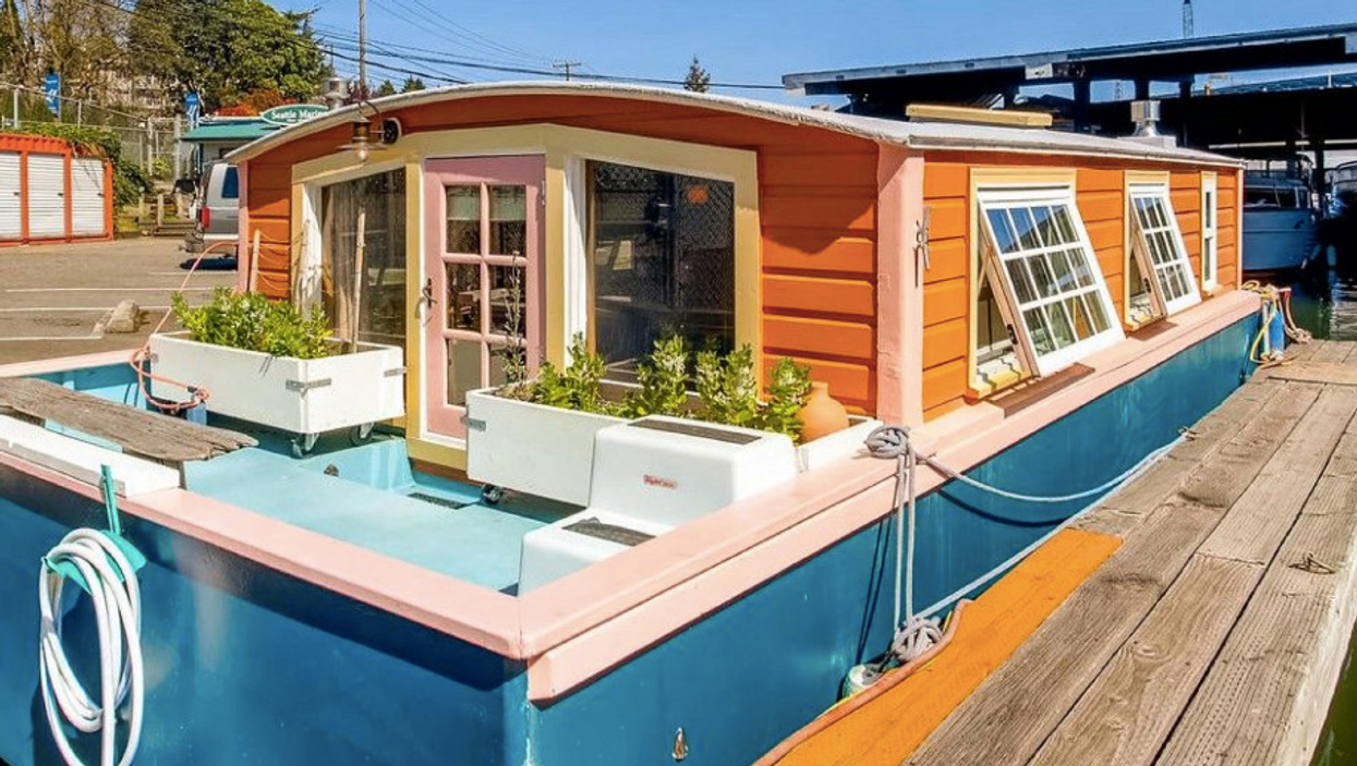 Lake Union Houseboat For Sale Is Perfect For Living On The Water