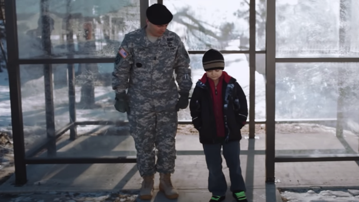 Grab the tissues! Netflix'sFather Soldier Sonis their newest war documentary that's coming to the platform so soon. The film is set over the course of a decade and follows a single father of two sons who suffers a horrible injury while deployed.