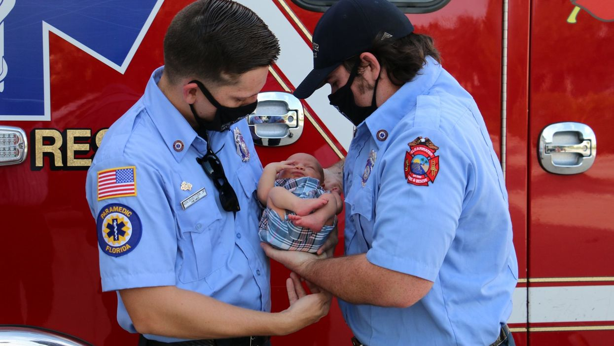 The Internet Is In Love With 2 Florida Fire Medics Who Delivered A Boat Baby (PHOTOS)