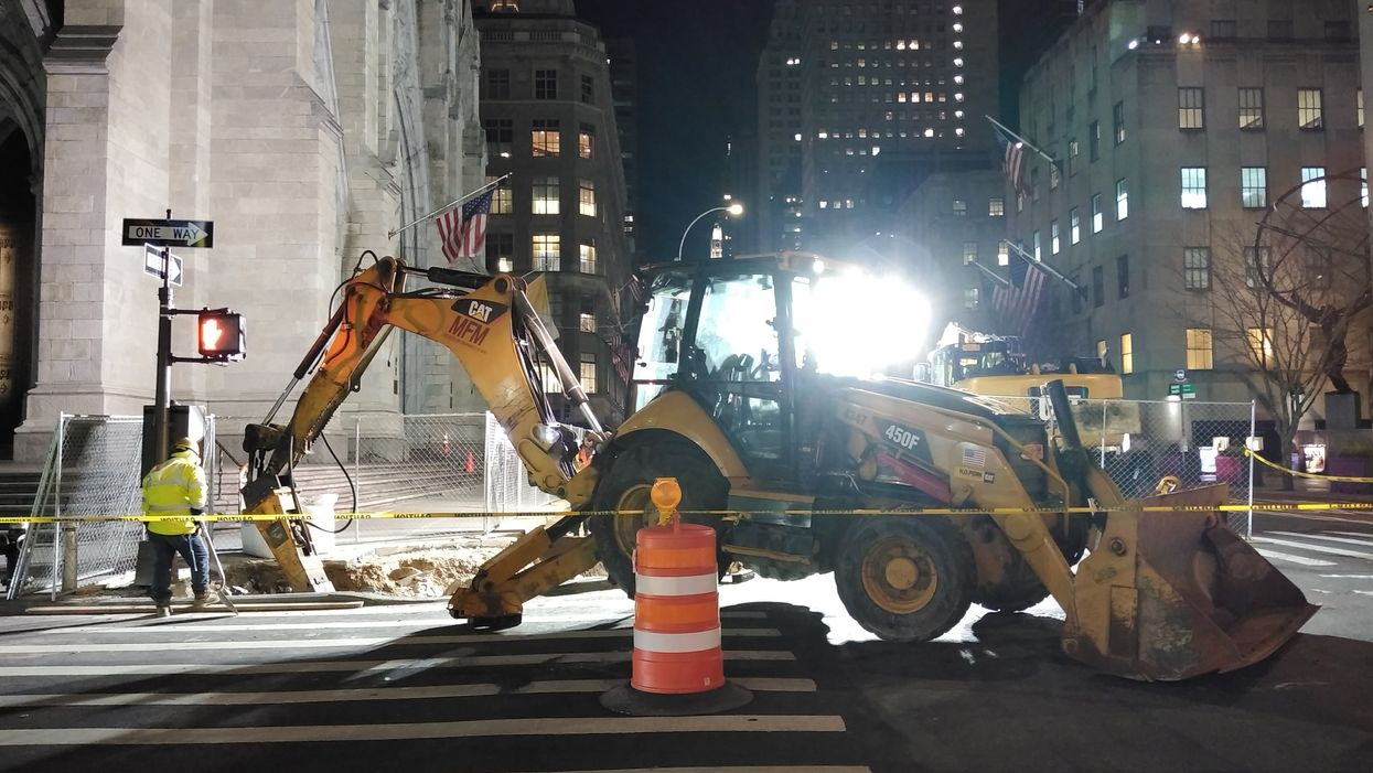 Toronto Construction Sites Are Running All Night & It Will Last For Over A Year