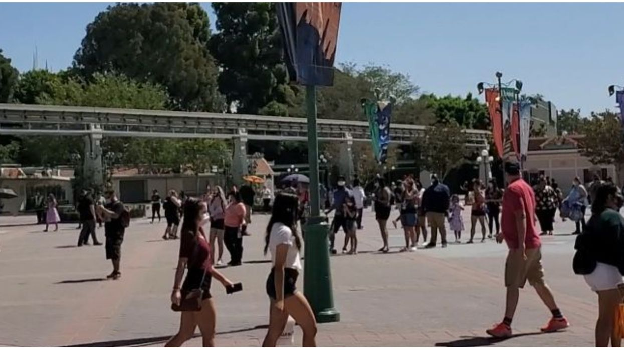 Downtown Disney District In Anaheim Reopened To People Flocking To It (PHOTOS)