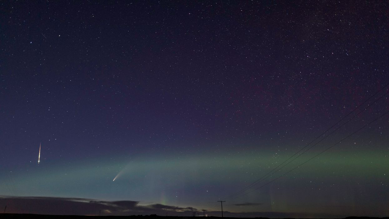 Comet NEOWISE Was Photographed In Canada Alongside The Northern Lights