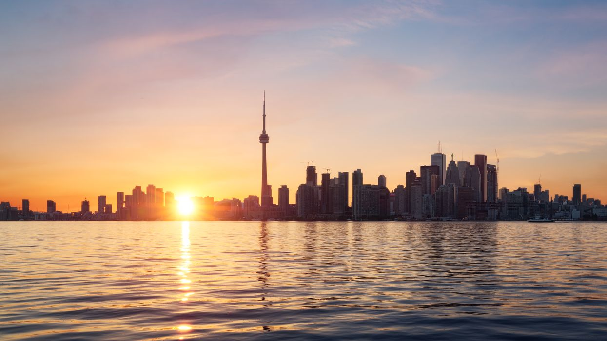 Heatwave In Toronto Has Environment Canada Telling You To Eat Light Today