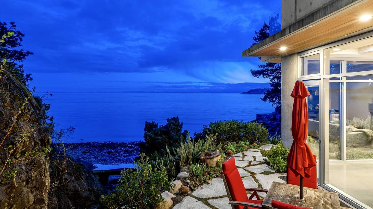 This Oceanfront House Has A Waterfall That Leads To A Private Beach In BC (PHOTOS)