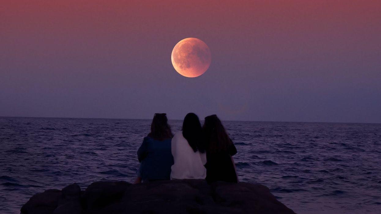 La pleine lune d'août pourrait être rouge cette semaine et voici pourquoi