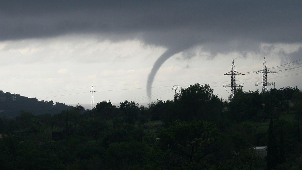 Veille de tornade à Gatineau et les environs et Environnement Canada émet un avis