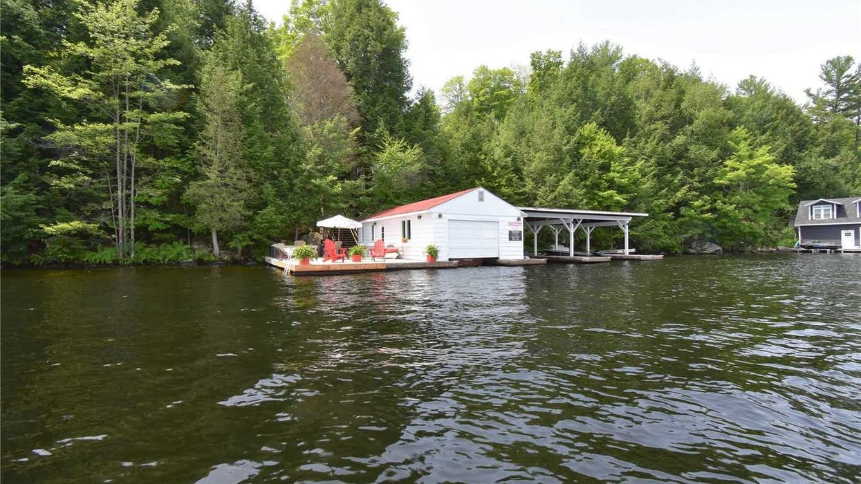 Ontario Cottage For Sale Has A Huge Floating Dock That Will Transport You To Paradise