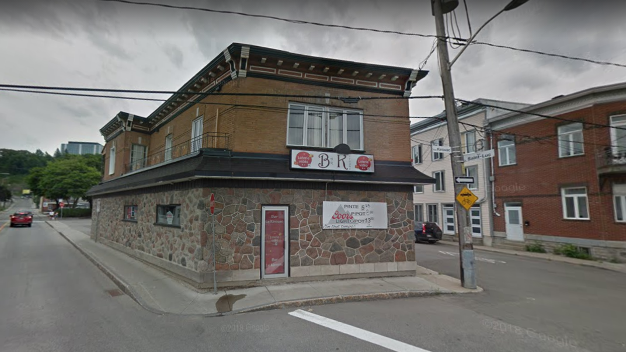Quebec City Bar Has Been Linked To At Least 30 COVID-19 Cases & It Has Shut Down