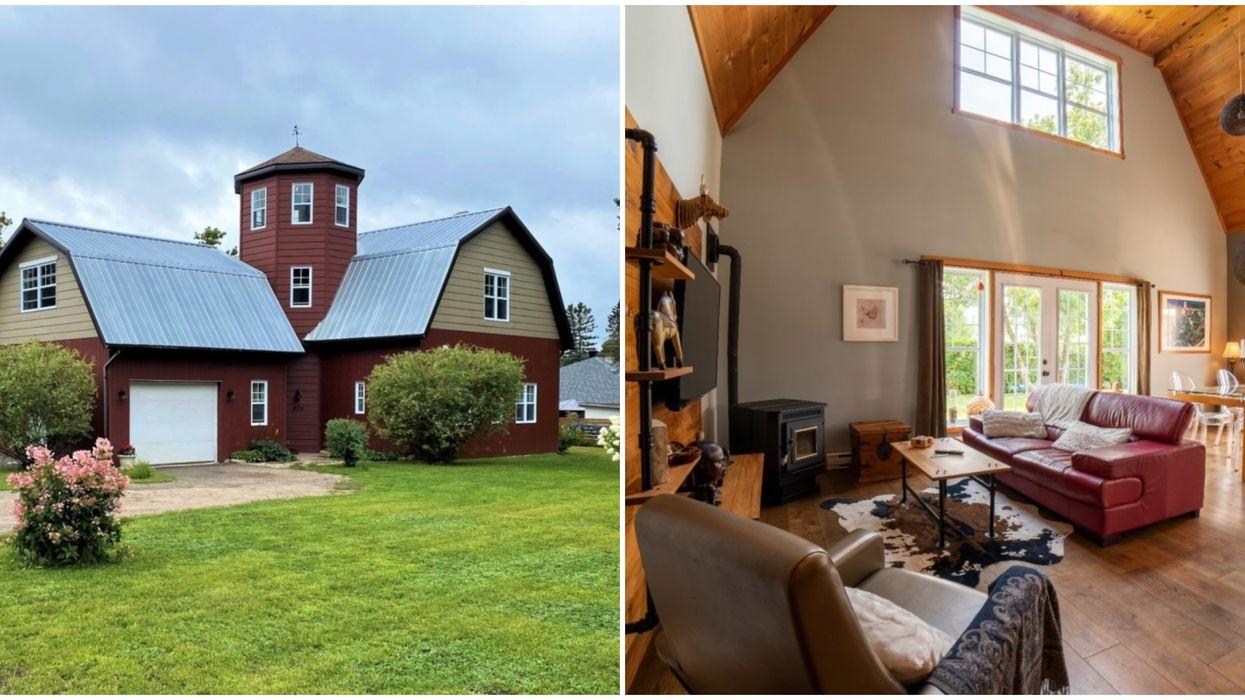 Maison de style « grange » à vendre à Sainte-Adèle avec un intérieur surprenant