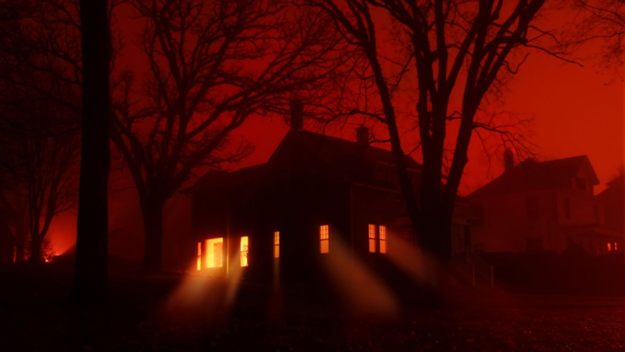 The Toronto Zoo's New 'Haunted' Halloween Drive-Thru Takes You On A Ghost Tour