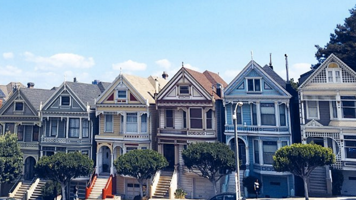 18 Places You Need To Travel To If You're A TV/ Movie Junkie