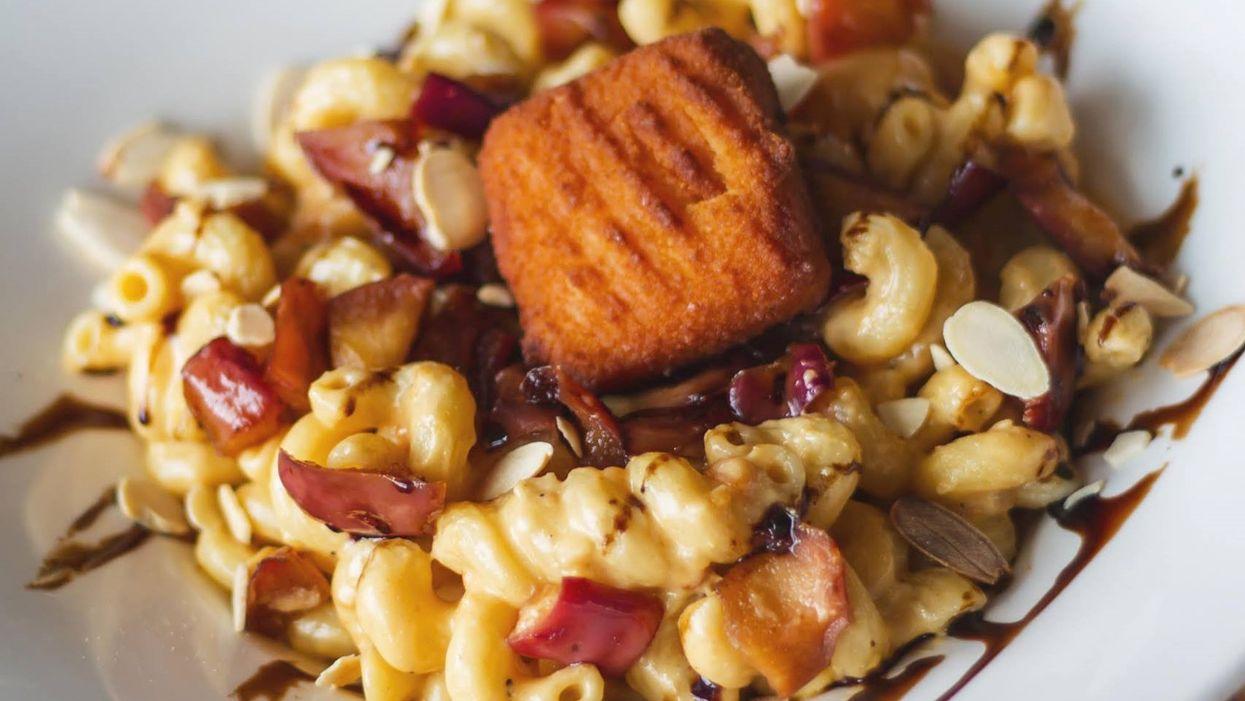 8 plats beaucoup trop cochons à essayer durant la semaine du Mac n' Cheese à Québec