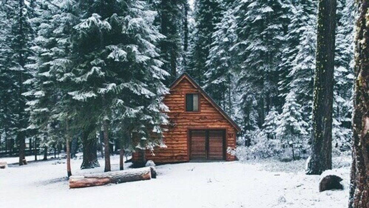 6 Cozy Cottages In Saskatchewan You Can Rent For A Cheap Winter Getaway