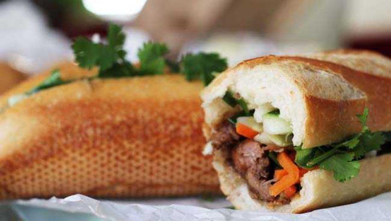 5 Fantastic Toronto Food Spots To Eat For Under $5