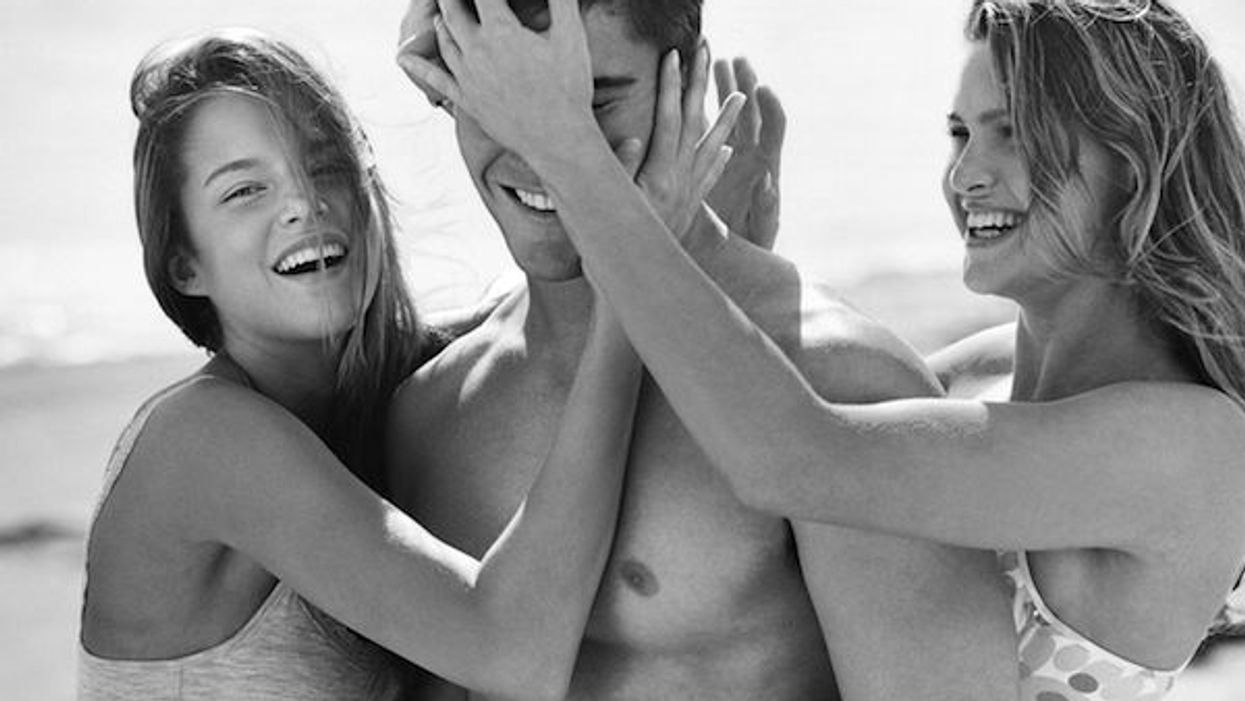 There Is Now A Tinder For Threesomes And It's Awesome
