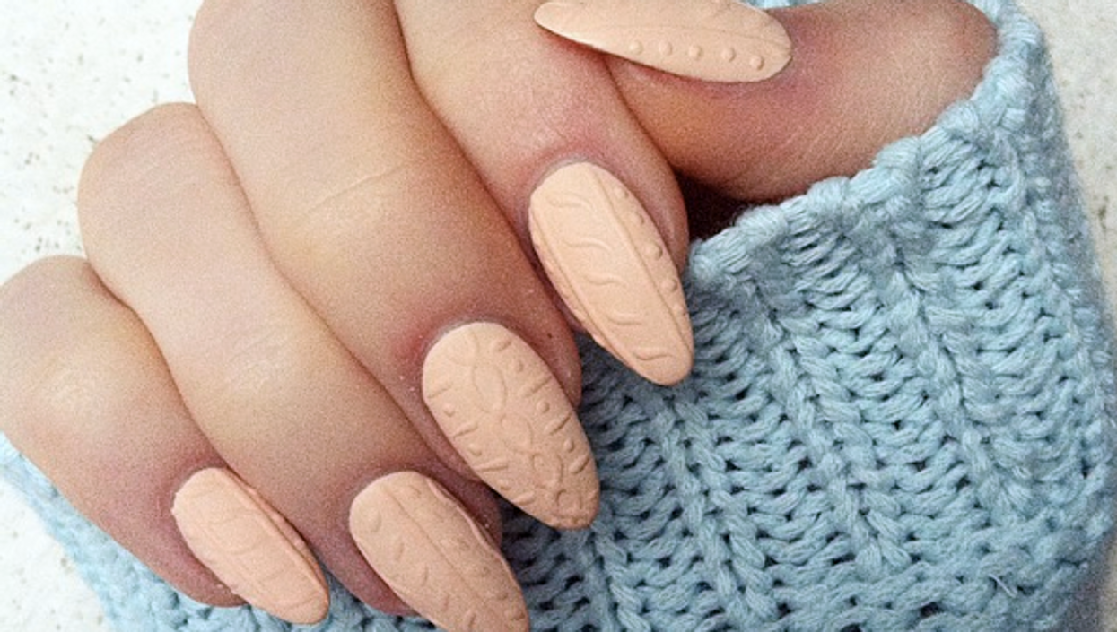 Cable Knit Nails Are The Newest Way To Stay Warm This Winter