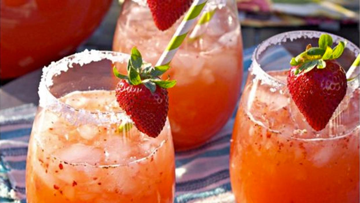 17 Easy DIY Summer Cocktails