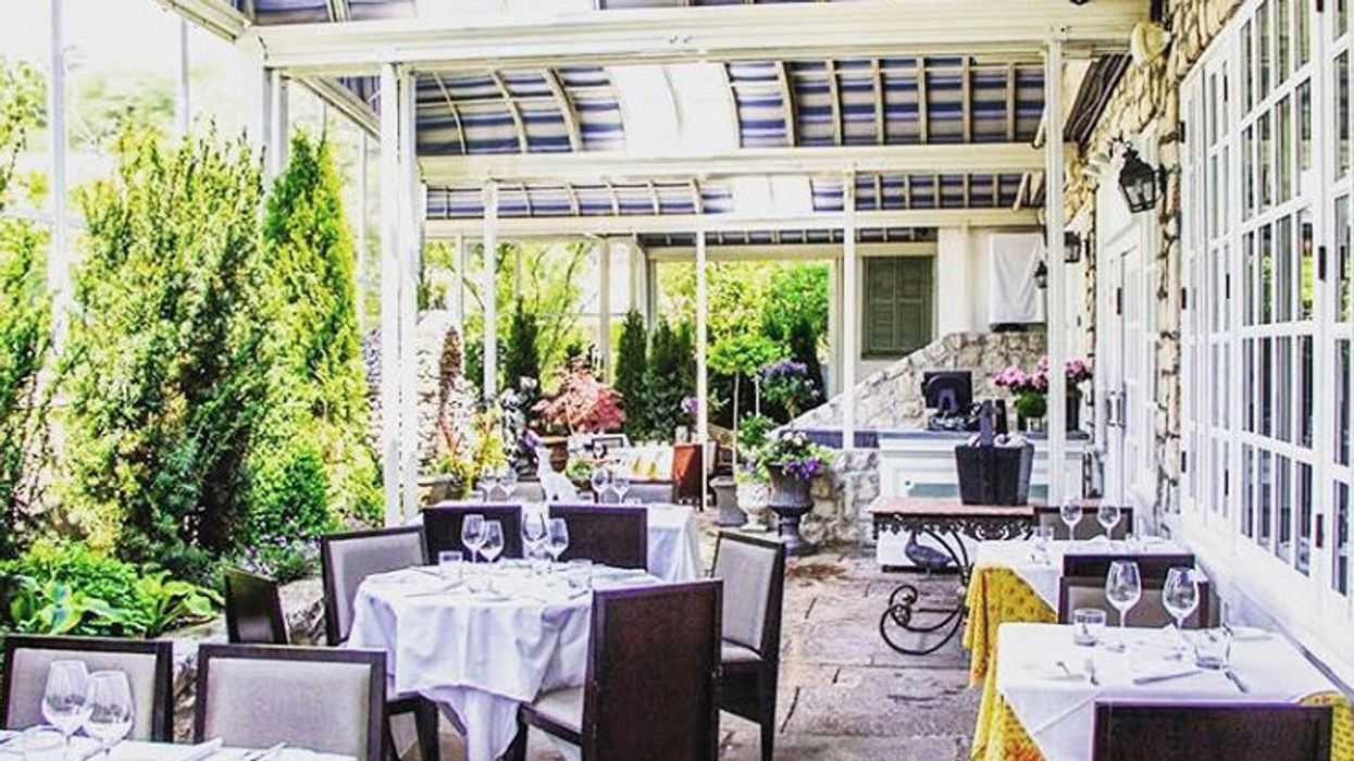 """9 Restaurants With Beautiful """"Summer Gardens"""" You Can Bring Your Girlfriend To"""