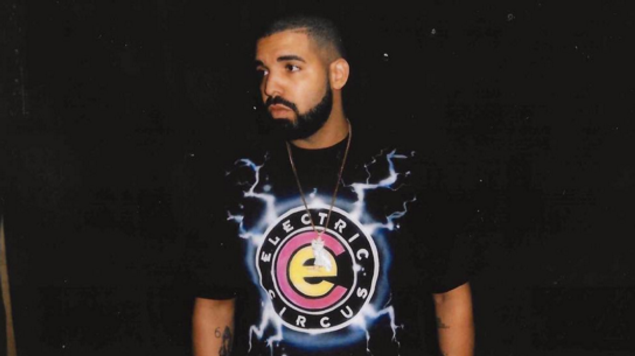 $ 3 Million Dollars Worth Of Jewelry Was Stolen Off Drake's Tour Bus