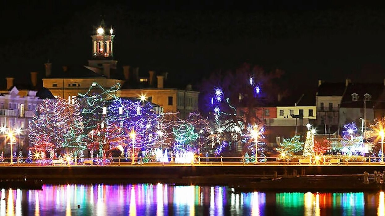 This Ontario Town Will Be Illuminated With Over 100,000 Lights For The Holidays