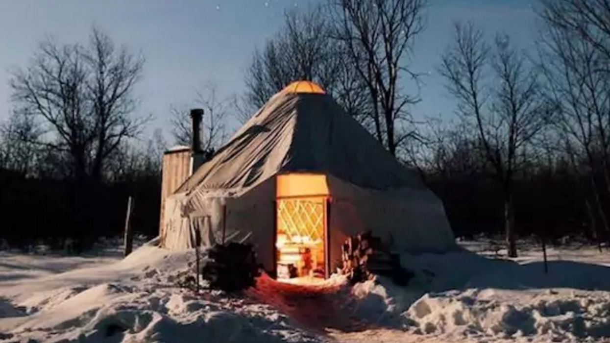 9 Cozy Spots To Rent With Your S/O To Enjoy Winter In Ontario