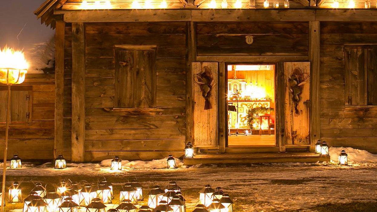 This Ontario Light Festival Makes For The Ultimate Romantic Date Night