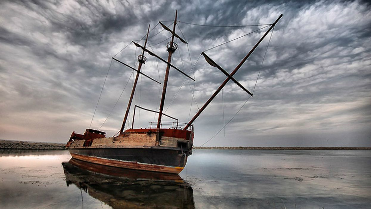 You Can Explore This Abandoned Ship In Ontario For A Creepy Adventure