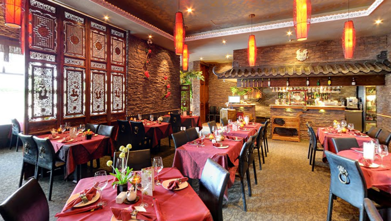 This Authentic Chinese Restaurant Near Toronto Will Take You On A Trip To Beijing