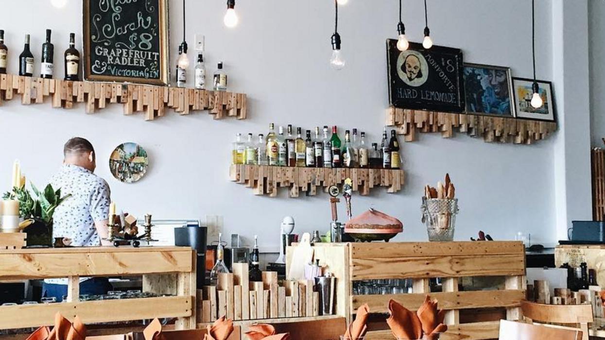 21 Amazing Restaurants To Try In Stratford