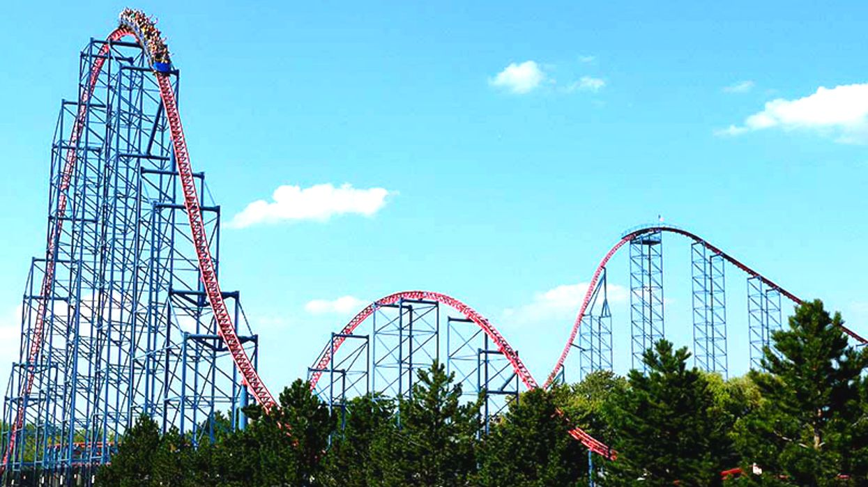 You Must Ride This Insane Superman-Themed Rollercoaster Only 2 Hours Away From Toronto