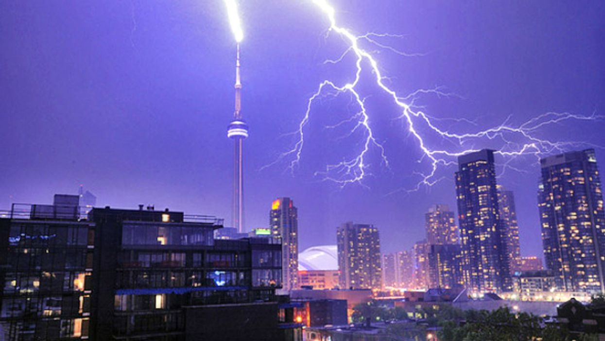 Toronto To Be Hit By Massive Thunderstorm Tonight