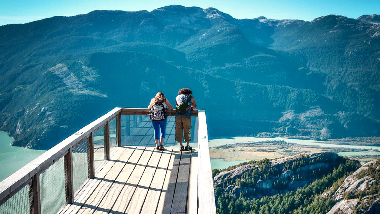 """13 Beautiful Places In Canada That Are Perfect For Saying """"I Love You"""" To That Special Someone"""
