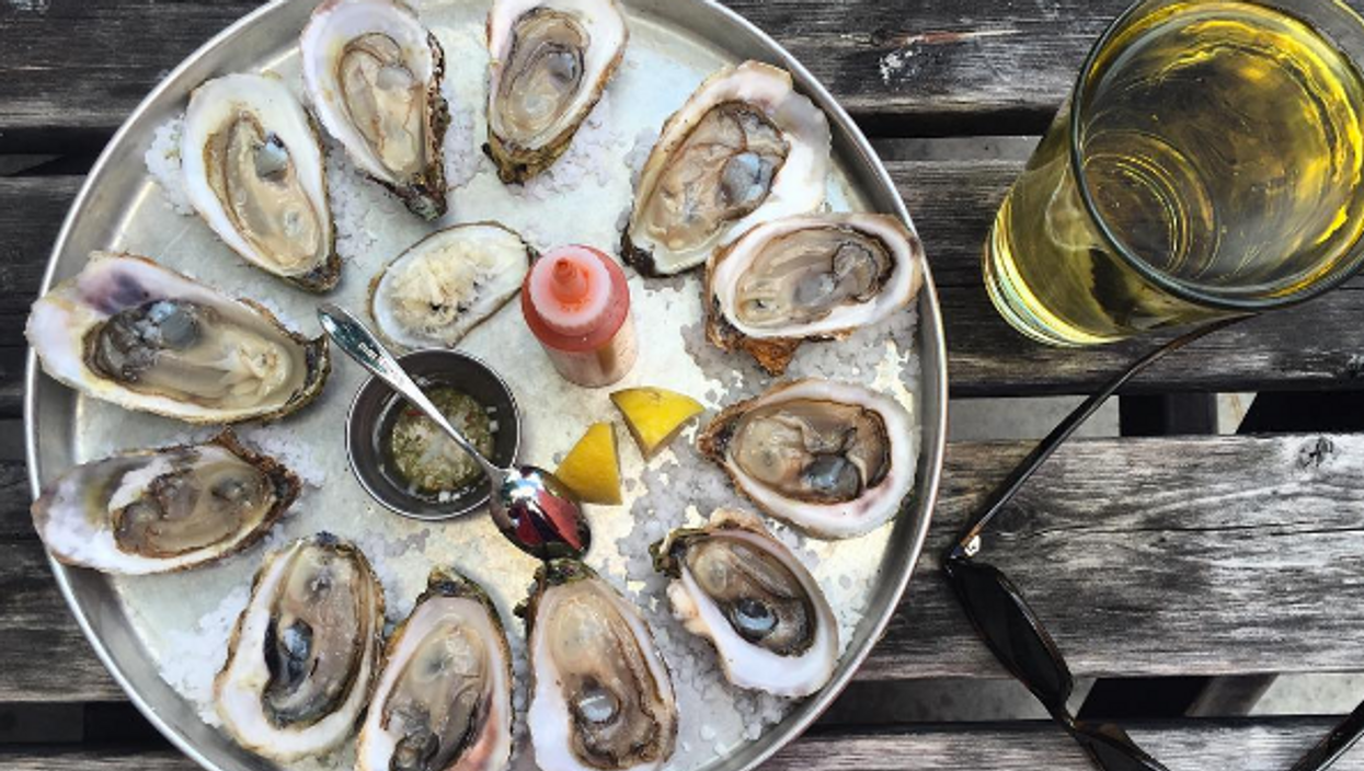 12 Places You Can Get $1 Oysters In Vancouver