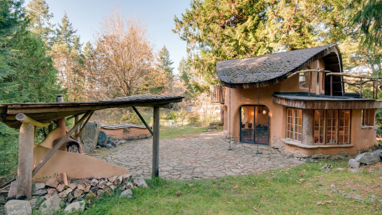 This Cozy Cottage Is Canada's Most Popular Airbnb And It Is Only A Few Hours From Vancouver