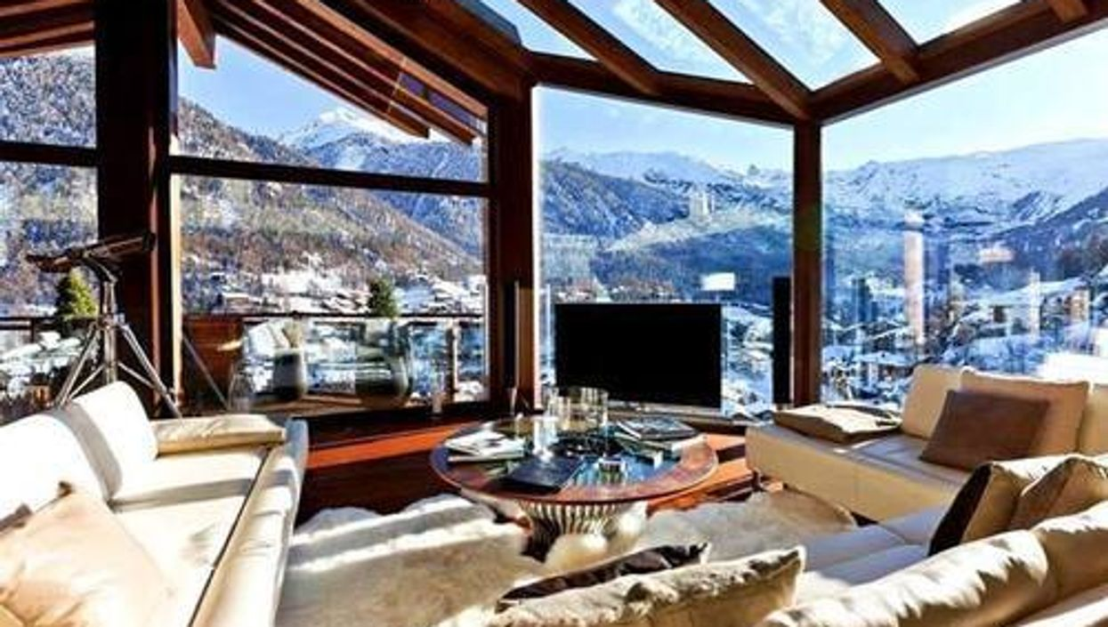 8 Incredible Ski Chalets You Can Rent For Super Cheap In BC