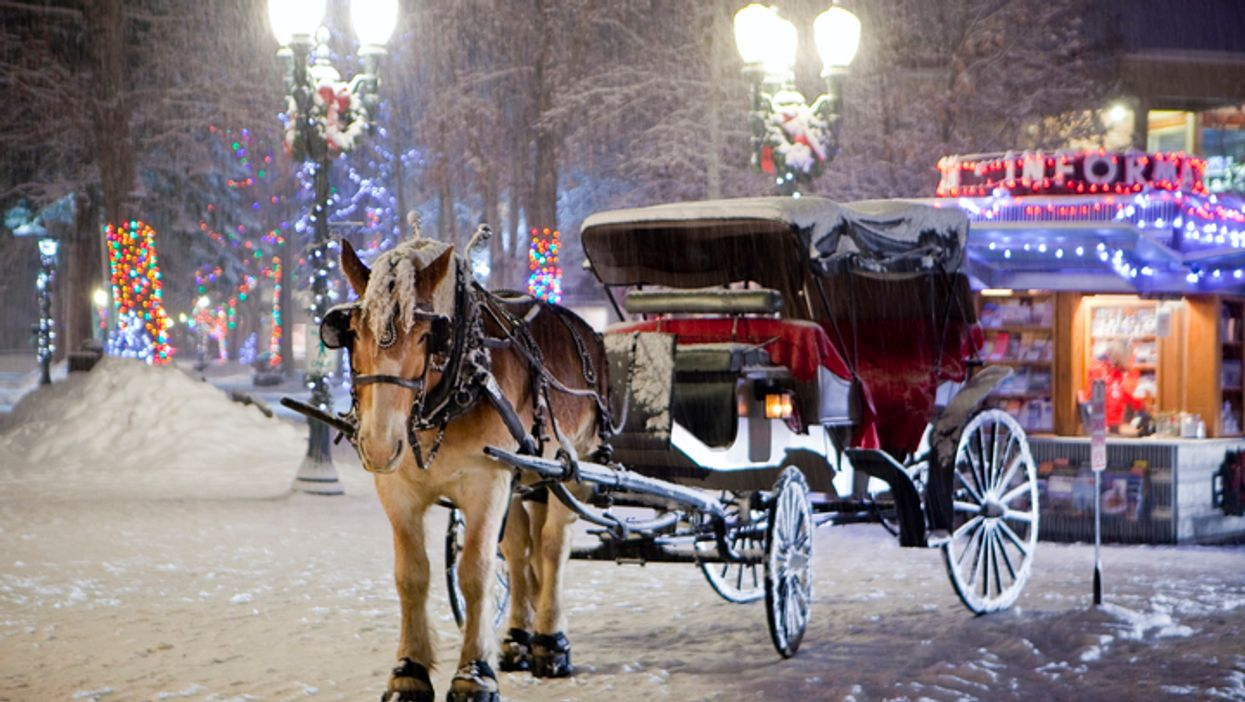"""This Manitoba Town Has Transformed Into A Spectacular """"Winter Wonderland"""" For The Holidays"""