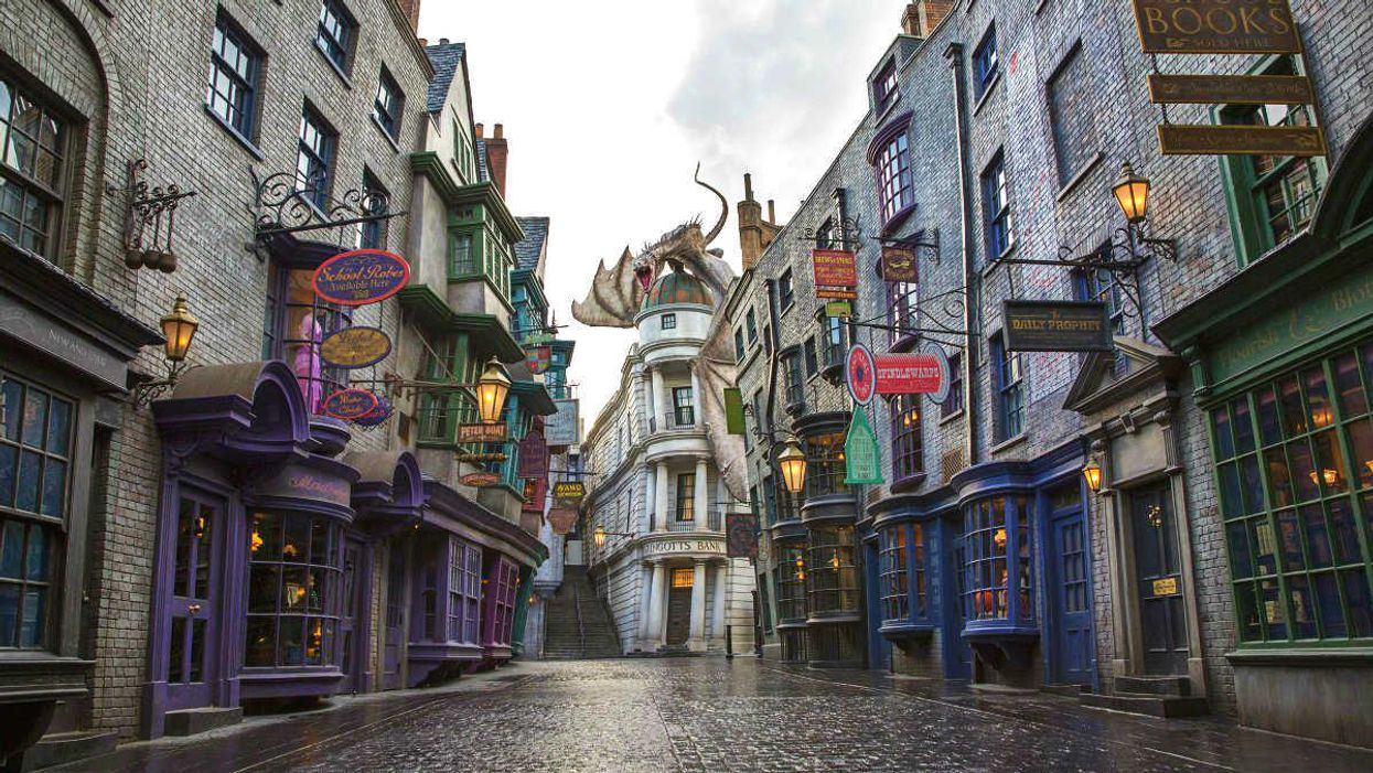 A New Ontario Town Will Be Transformed Into The Wizarding World Of Harry Potter