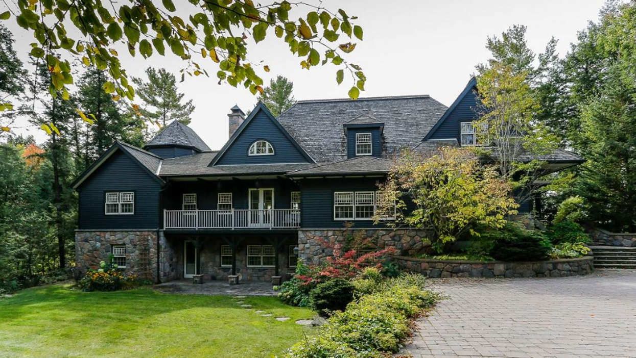 This $13 Million Dollar Muskoka Cottage Is What Summer Goals Are Made Of